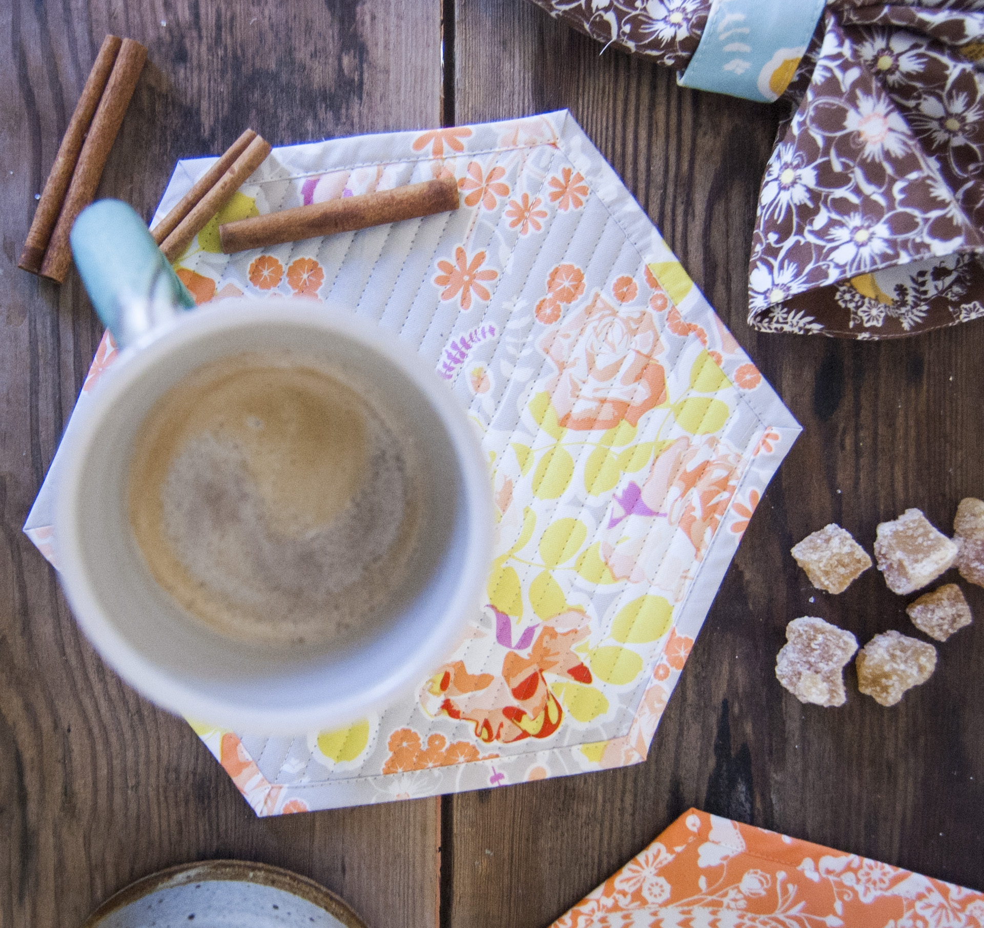 free sewing pattern - honeycomb mug home! (12)
