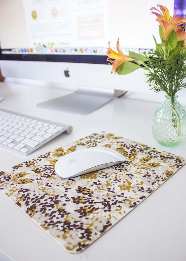 DIY Cork & Fabric Mousepad (7)